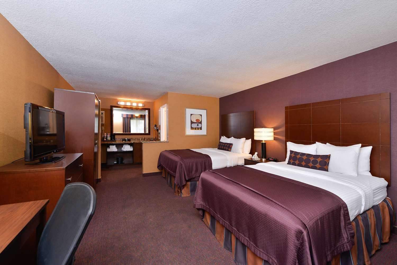 Hotel Close To Disneyland - BEST WESTERN PLUS Stovall's Inn