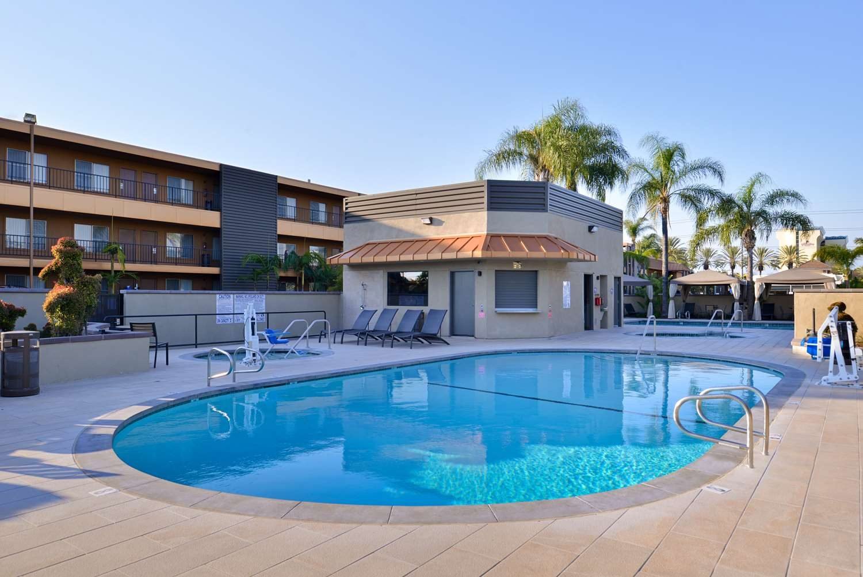 Hotel Close To Disneyland - BEST WESTERN PLUS Stovall\'s Inn ...